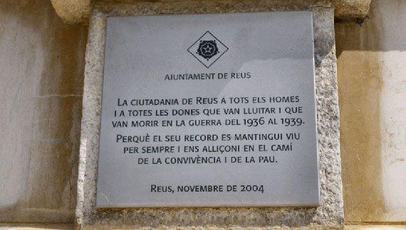 Placa commemorativa al cementiri de Reus.