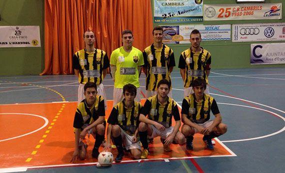 Foto de l'equip abans de començar el partit a Cambrils. Foto: Arnau Vall.