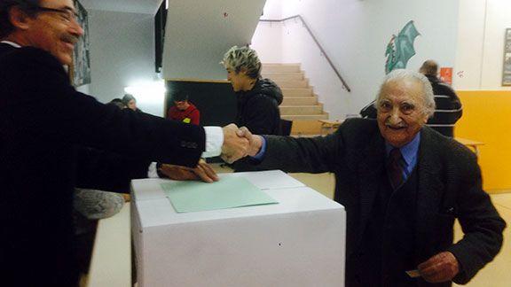 Àlvar Busquets Estivill, participant en les votacions del 9 de novembre de 2014 a Cornudella de Montsant. Foto: Xavier Estivill.