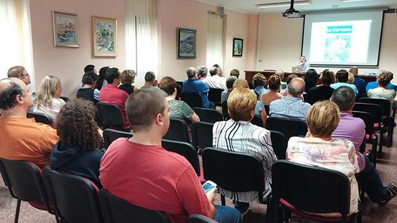 La sala d'actes de l'Ajuntament de Cornudella va presentar un gran aspecte en la presentació. Foto: Montsant Fonts.
