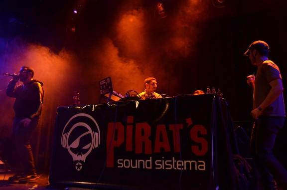 Imatge d'un concert Pirat's Sound Sistema. Foto: Pirat's.