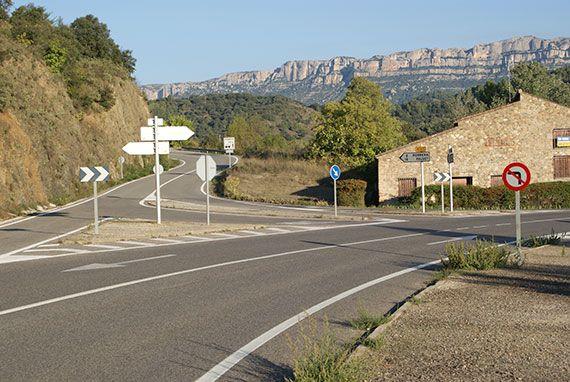 Imatge de la intersecció. (foto afegida a la notícia posteriorment, quan ja estaven les obres acabades). Foto: Carles X. Cabós.