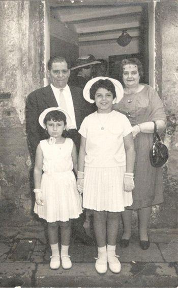Els avis amb la Fina i la Lupita, les nétes grans